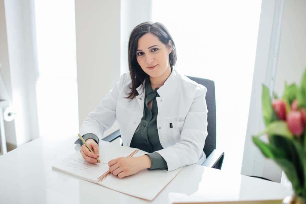 Dr. Anna Safai